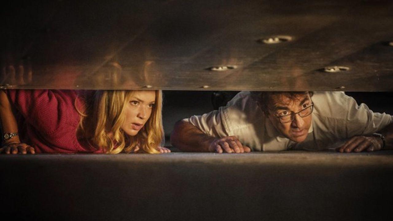 Suze (Virginie Efira) et JB (Albert Dupontel) vont mener une épopée surréaliste dans un monde de déraison.