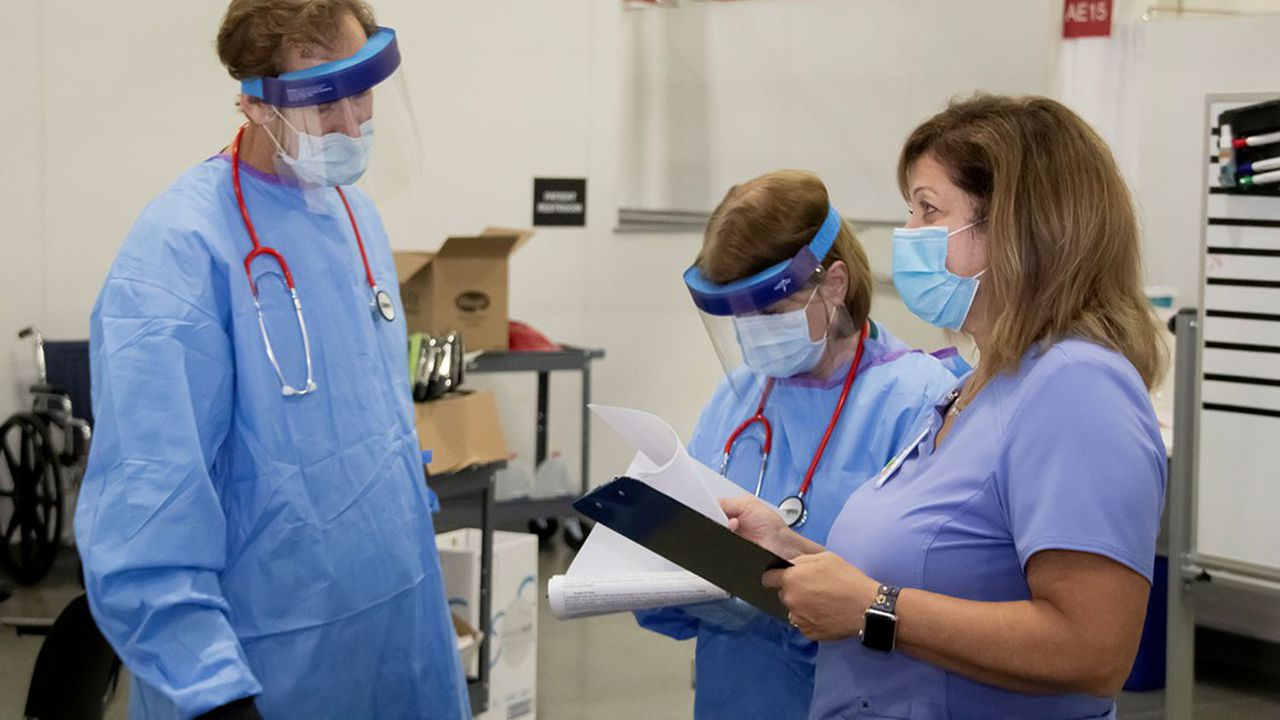Les hospitalisations liées au coronavirus sont reparties à la hausse, et le Wisconsin a ouvert un hôpital de campagne pour se préparer.