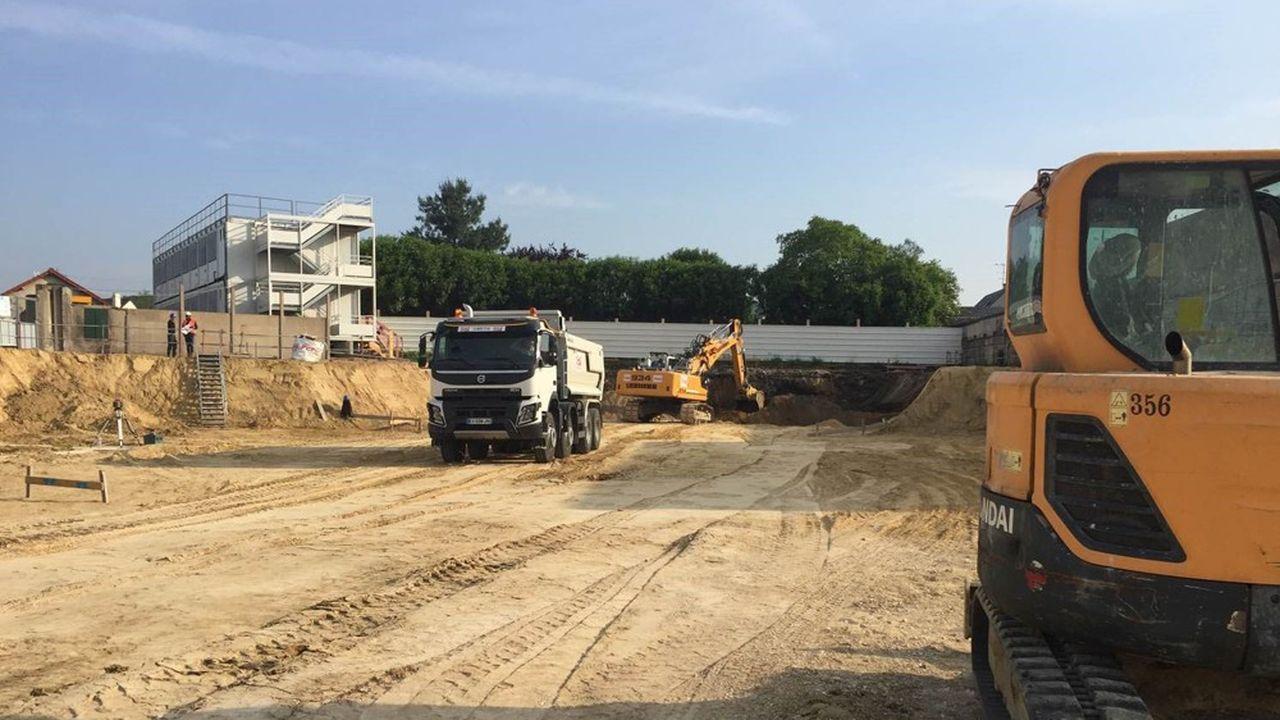 Un chantier de terrassement d'ERDT, du même type que ceux menés pour les piscines d'Aulnay-sous-Bois et d'Aubervilliers.