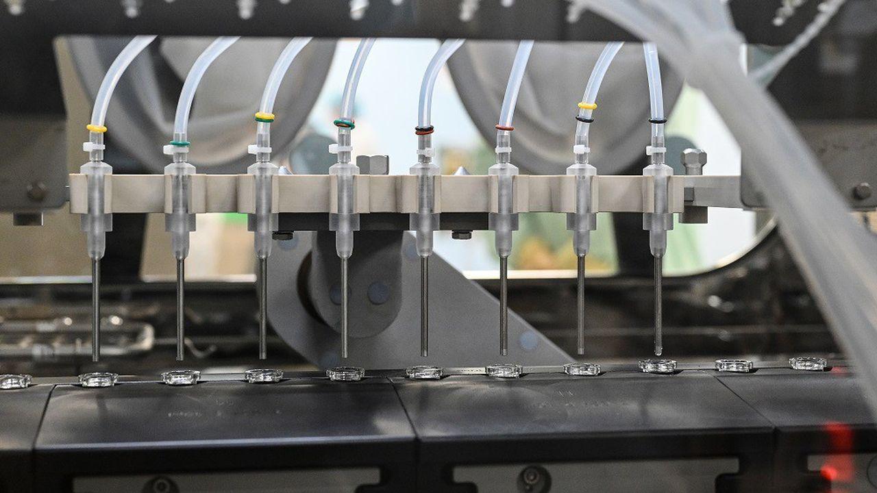 Les essais cliniques de phase 3 du candidat vaccin d'Astrazeneca et Oxford sont en cours.