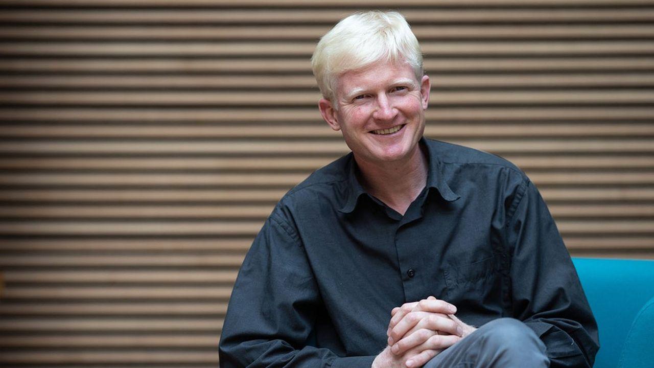 Jean-Guénolé Cornet, ingénieur des eaux et forêts et ancien directeur général de l'ONF International, est le président-fondateur de Néosylva.
