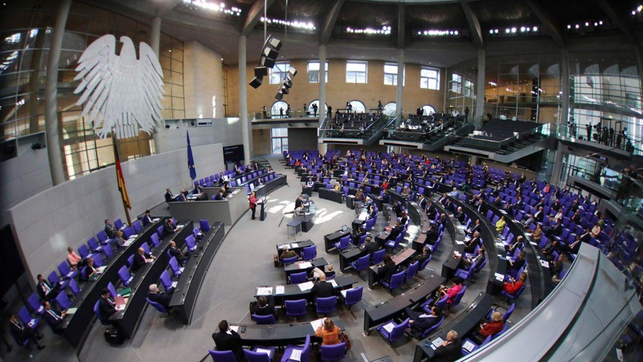 Le Parlement allemand revendique une plus grande implication dans les décisions du gouvernement face à la progression du coronavirus