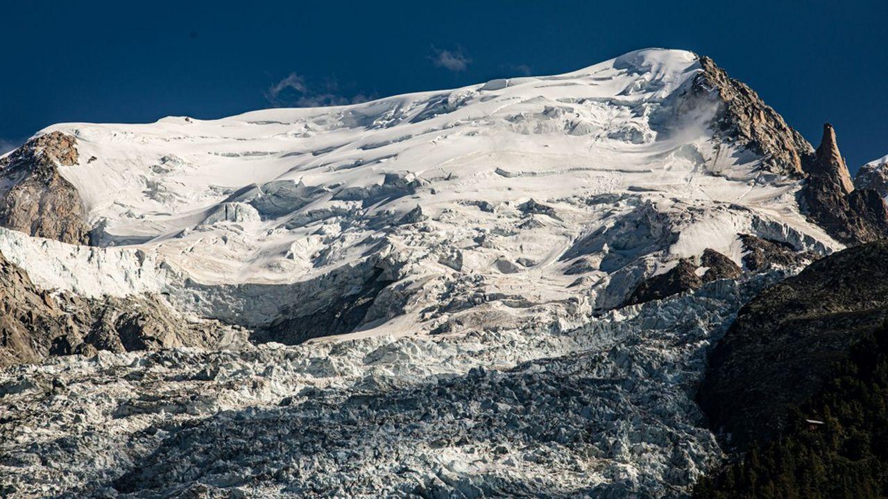 Le sommet du Mont-Blanc culmine à 4.810 mètres.