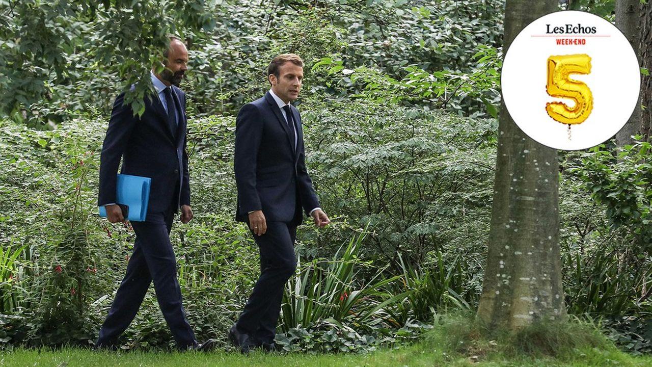Le président français Emmanuel Macron accompagné du premier ministre Edouard Philippe