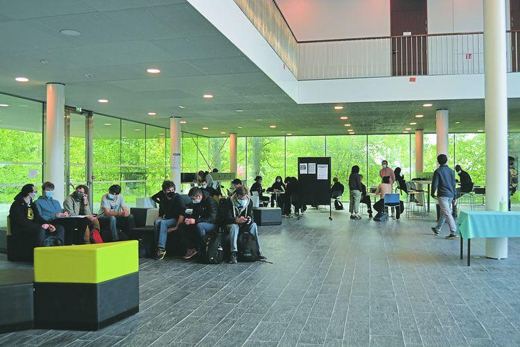 A l'Institut de mathématiques d'Orsay, situé au niveau de la vallée de Paris-Saclay.