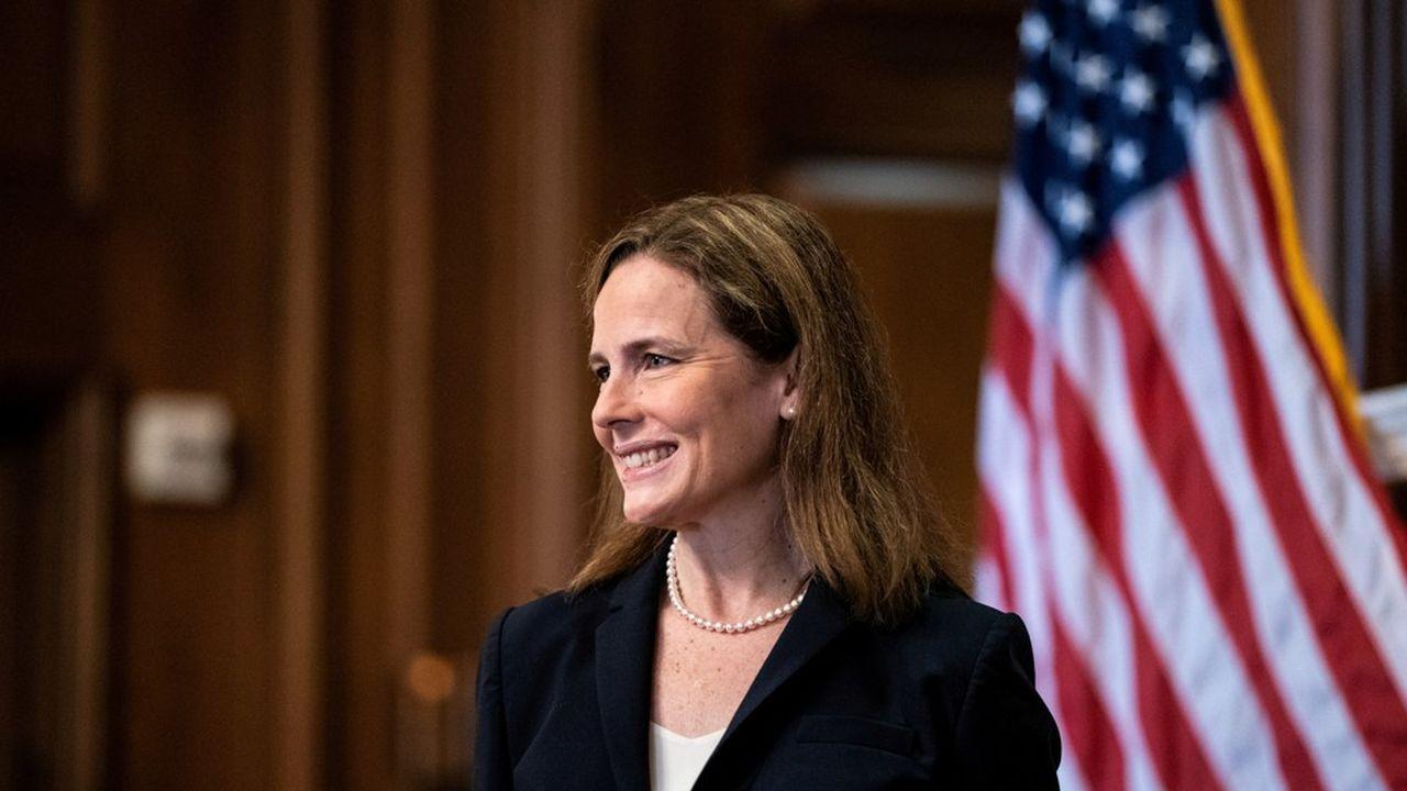 Un peu plus d'un mois après la mort de Ruth Bader Ginsburg, la nouvelle juge nommée par Donald Trump, Amy Coney Barrett, a été confirmée par un vote du Sénat lundi soir.
