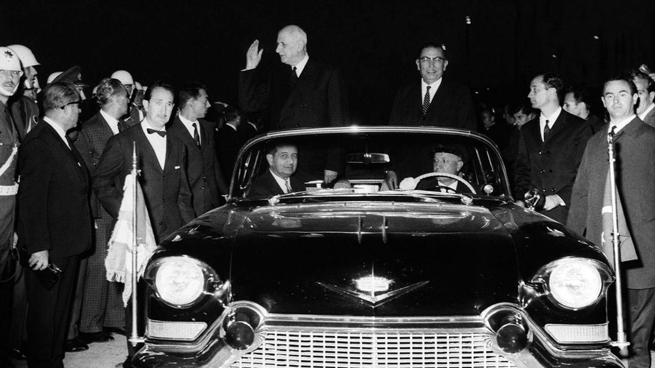 Charles de Gaulle en compagnie du président turc Cevdet Sunay à Istanbul le 27octobre 1968, lors d'une visite officielle qui a constitué le «zénith» des relations entre les deux pays.