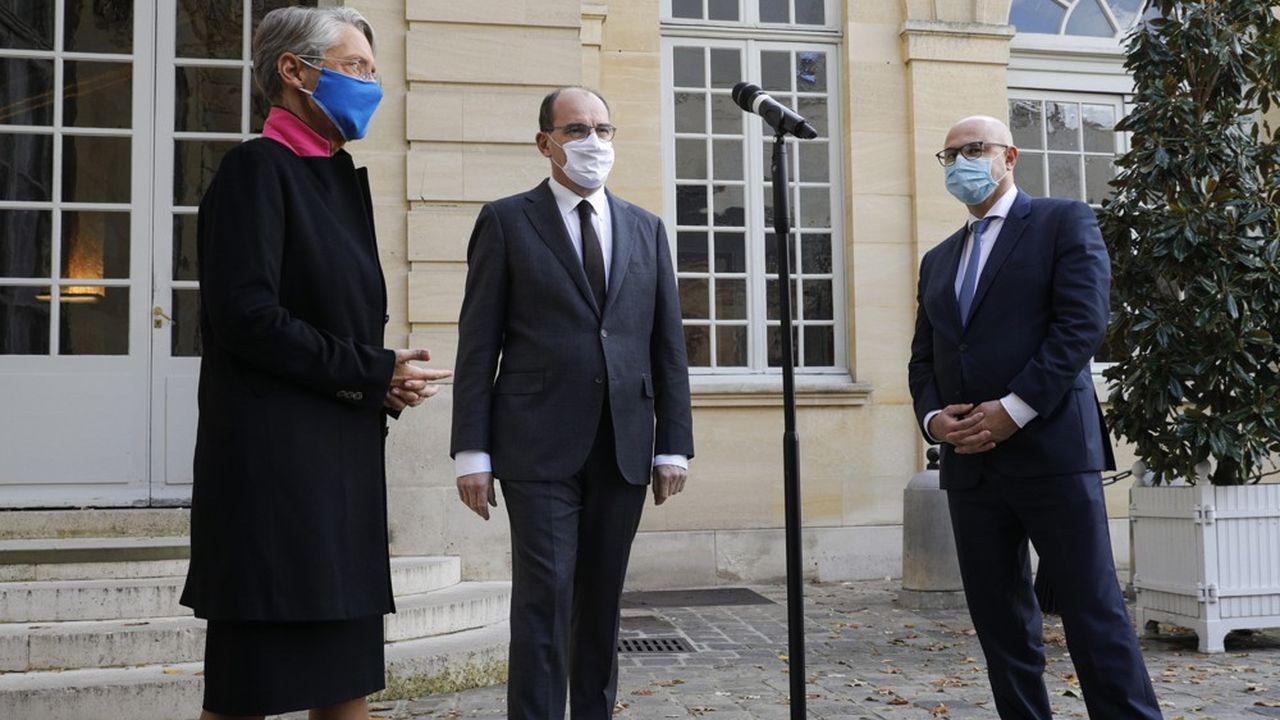Le chef du gouvernement Jean Castex, et les ministres Elisabeth Borne et Laurent Pietraszewski, à l'issue du deuxième sommet social ce lundi.