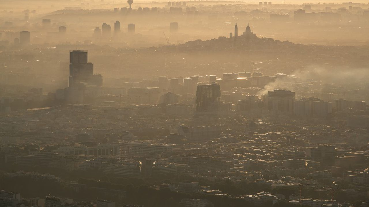 Plusieurs études publiées suggèrent que la pollution de l'air augmente le risque de mourir du Covid-19.