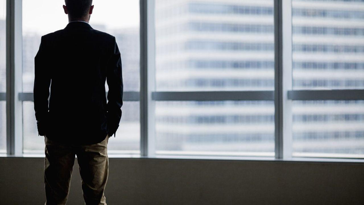 Après plusieurs mois d'expérience du télétravail de leurs employés, les dirigeants confient la difficulté à ajuster leur organisation.