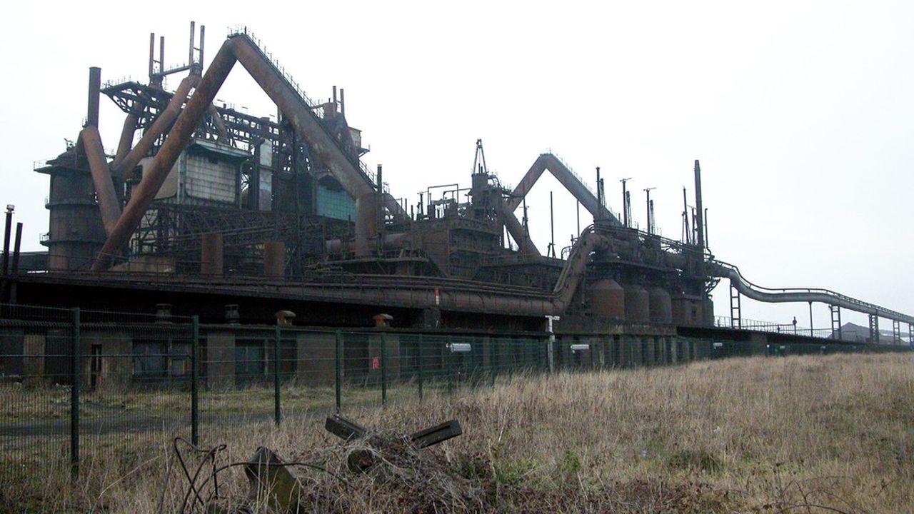 A Boulogne-sur-mer (Pas-de-Calais), la friche industrielle de l'usine Comilog photographiée en 2005.