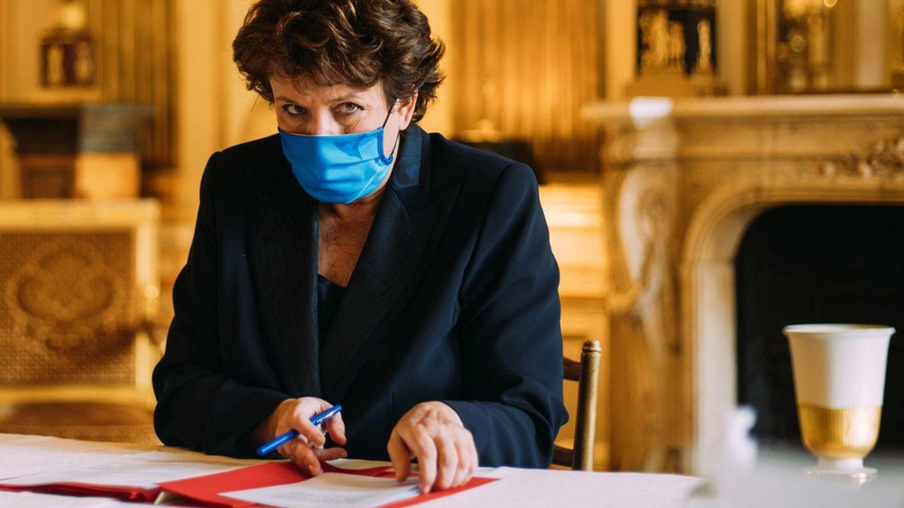 Roselyne Bachelot espère aussi faire aboutir un texte sur le piratage en2021.