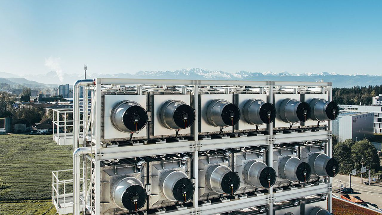Climeworks, l'une des pépites soutenues par le programme de Stripe, est une entreprise suisse piégeant le CO2 de l'air ambiant grâce à l'énergie géothermique.
