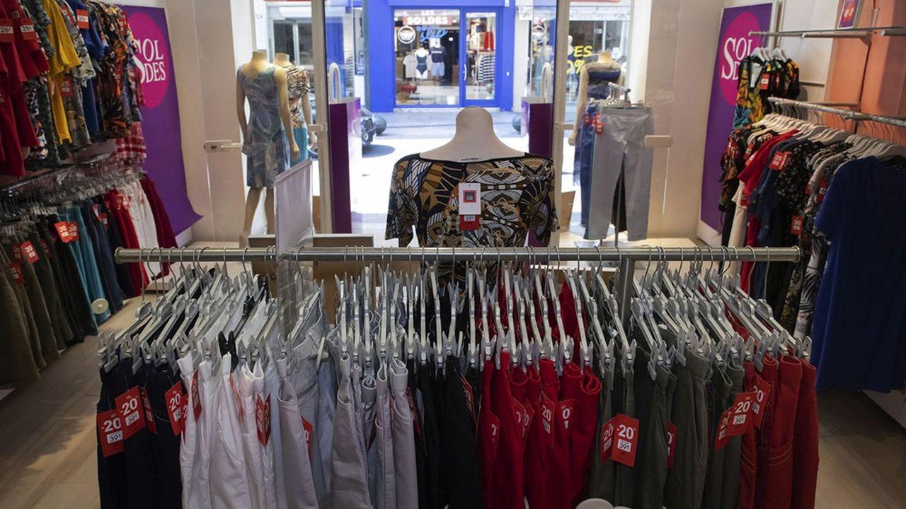 La seule journée du samedi représente entre 30 et 50% du chiffre d'affaires des commerces d'habillement
