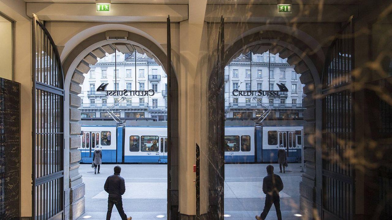 Nel terzo trimestre il Credit Suisse ha risentito del calo dell'attività di gestione patrimoniale, appena compensato dai buoni risultati della banca d'affari.