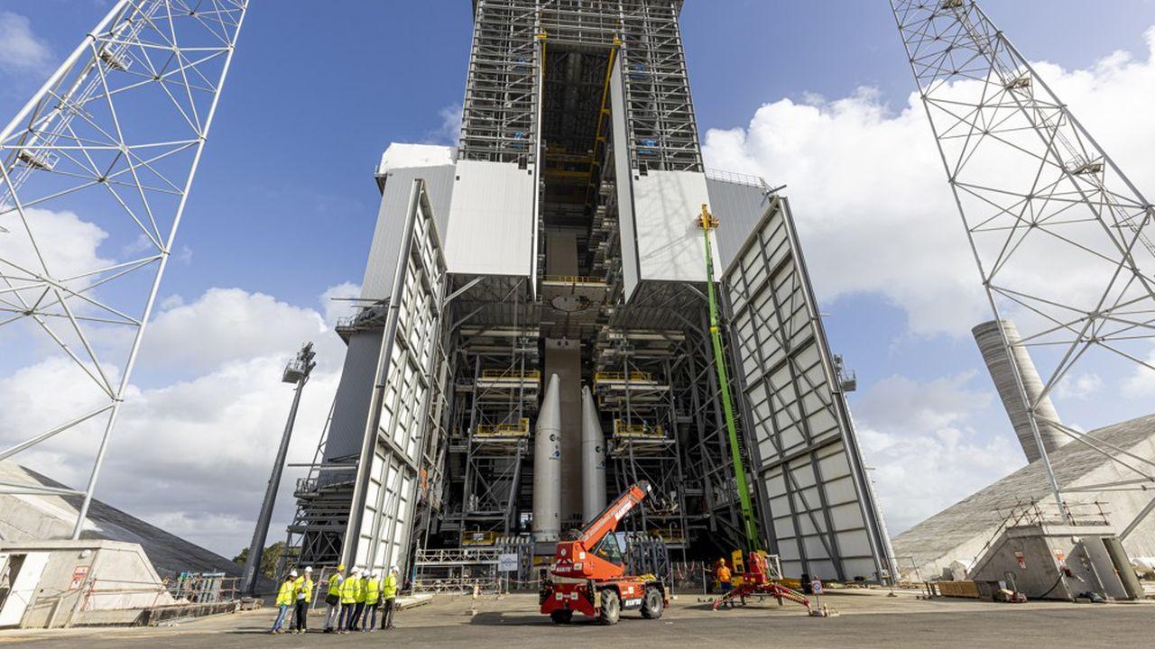 L'agence spatiale européenne justifie le retard du lanceur du fait de l'impact de la crise sanitaire du Covid-19 et de difficultés techniques imprévues.