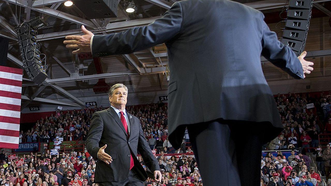 Le 5 novembre 2018, à la veille des élections de mi-mandat, Sean Hannity rejoint Donald Trump sur scène lors d'un meeting dans le Missouri. Un mélange des genres qui choque même les journalistes de Fox News.