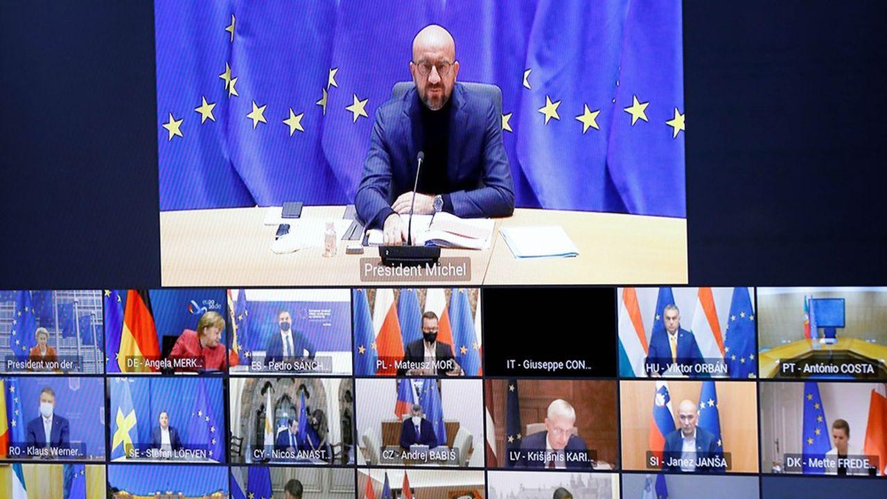 Les Vingt-sept dirigeants européens ont tenu jeudi soir un sommet virtuel pour échanger sur la lutte contre le Covid-19. Au centre, le président du Conseil européen Charles Michel.
