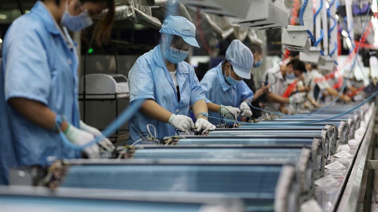 Les usines tournent de nouveau à plein régime en Chine, moins d'un an après le déclenchement de l'épidémie de Covid-19.