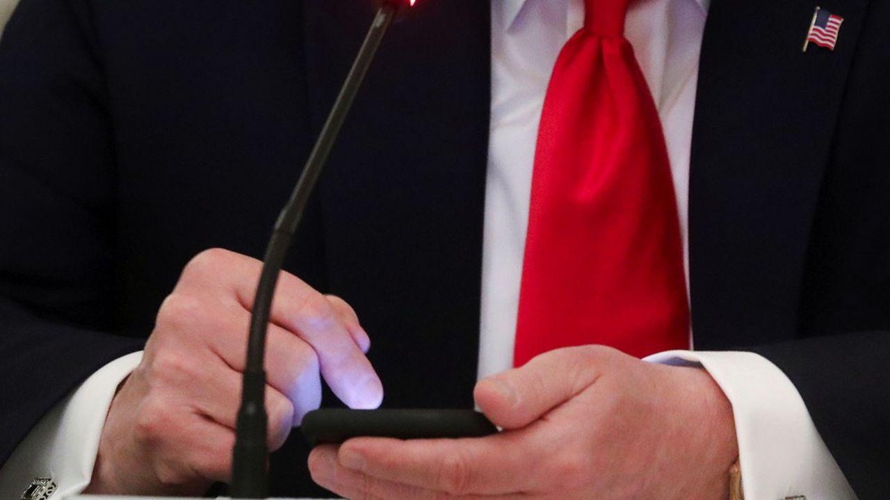 Avec 54.746 messages sur Twitter depuis 2009, Donald Trump a voulu communiquer directement avec le peuple américain sans passer par les médias, colporteurs selon lui de fausses nouvelles et informations à son égard