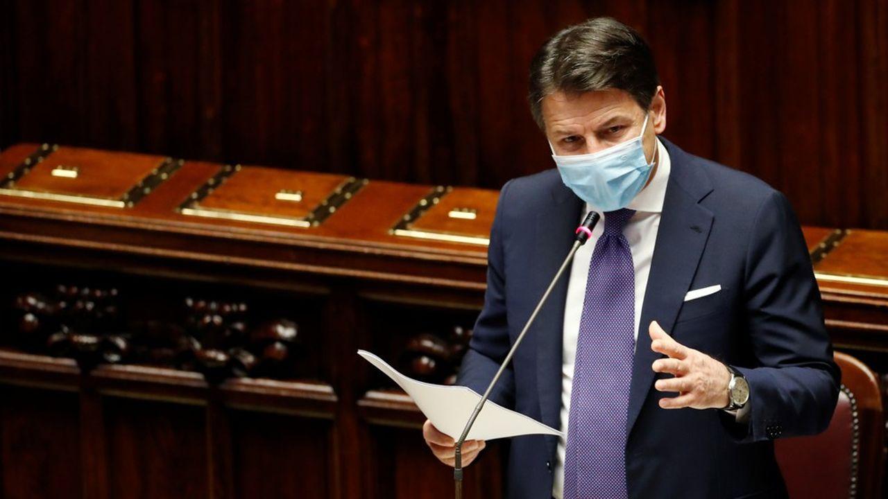 Les annonces de Giuseppe Conte ont déjà suscité les critiques de plusieurs présidents de régions italiennes, qui demandent des normes homogènes sur l'ensemble du territoire.