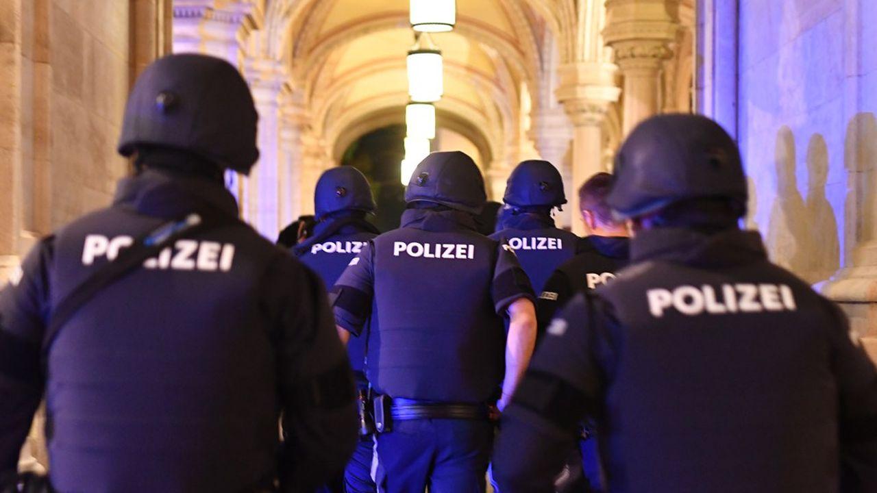 L'attentat islamiste est survenu lundi soir, à quelques heures de la mise en place d'un couvre-feu dans la capitale autrichienne.