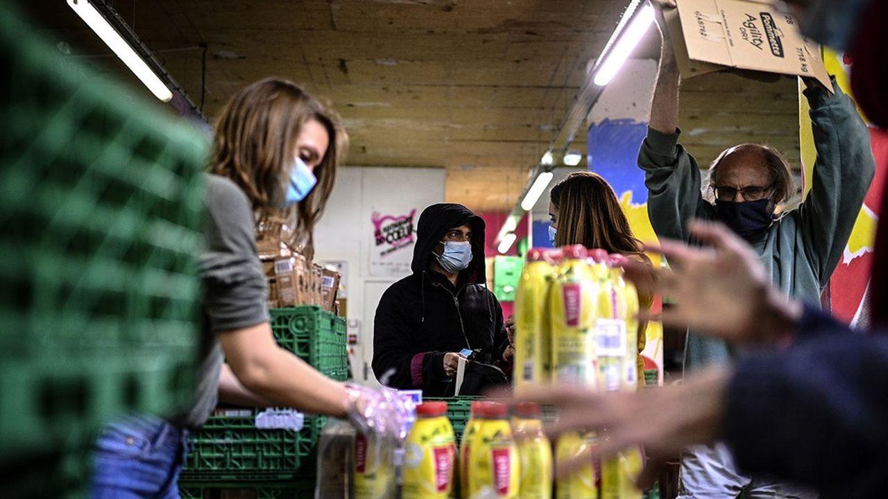 A Paris, le 13octobre 2020. Les Restos du coeur estiment que l'émergence de la crise sociale a entraîné une hausse de 1million de personnes relevant de l'aide alimentaire.