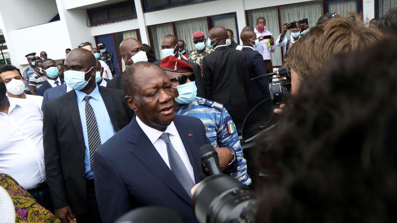 Selon la Commission électorale indépendante, le taux de participation à la présidentielle a été de 53,9%.