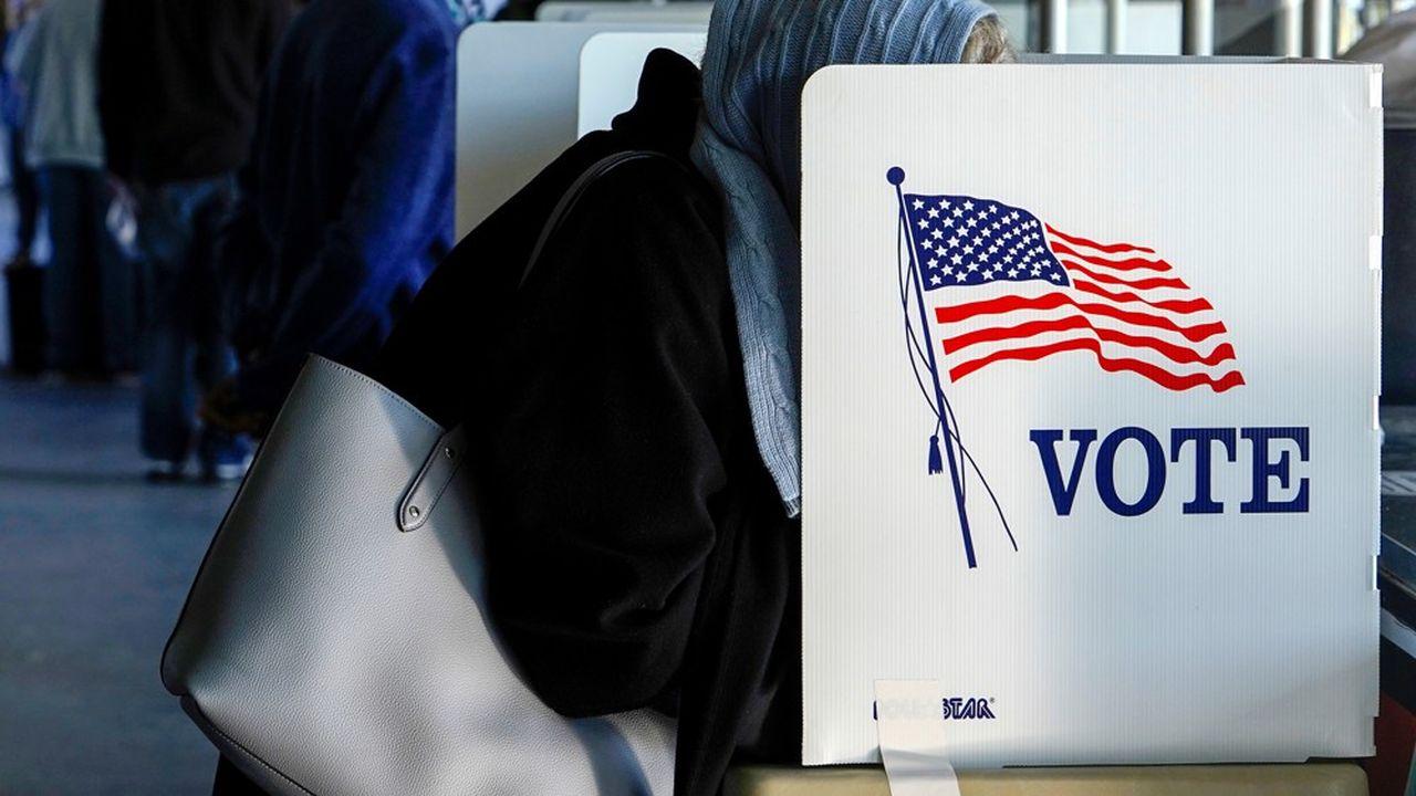 Pour remporter l'élection, le candidat à la Maison-Blanche doit obtenir la majorité des voix, soit le vote d'au moins 270 grands électeurs sur 538.