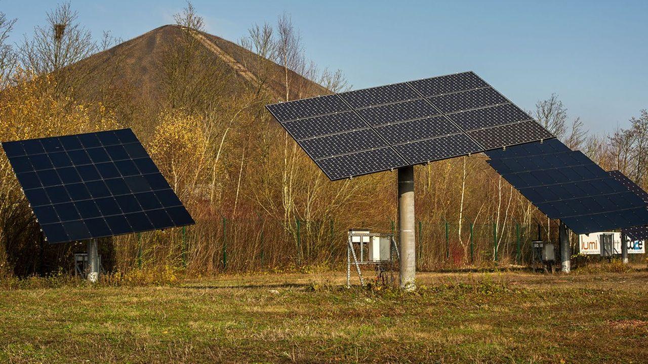 Le site d'essais solaires de Loos-en-Gohelle, au pied des terrils.