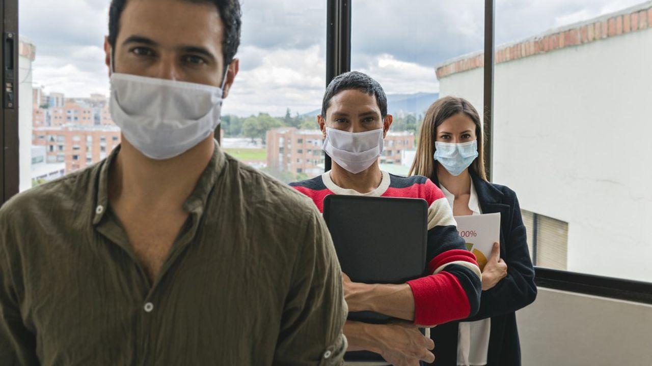 Un certains nombre de salariés trouvent injuste le fait de devoir se rendre au bureau en dépit de la pandémie.