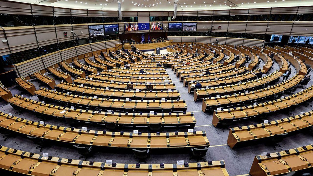 Les gouvernements misent sur l'aggravation de la crise économique pour calmer l'irrédentisme de certains eurodéputés. Ici l'hémicycle de Bruxelles.