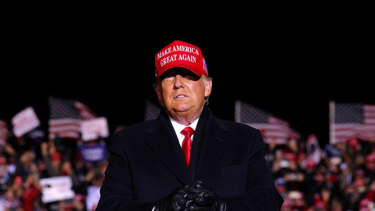 Donald Trump lors d'un meeting de campagne à l'aéroport de Kenosha, dans le Wisconsin, la veille de l'élection.