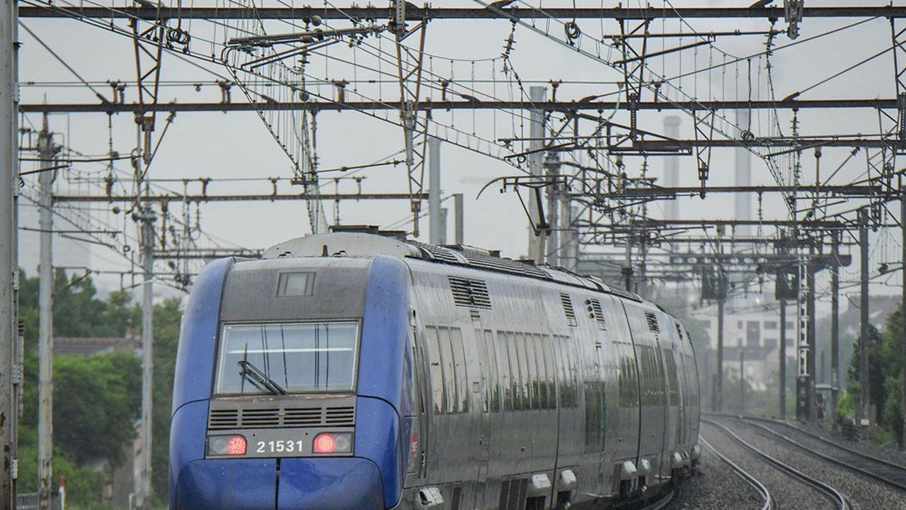 Pour la présidente de la région Ile-de-France, les lignes B et D du RER méritent une nette remise à niveau en termes de régularité.