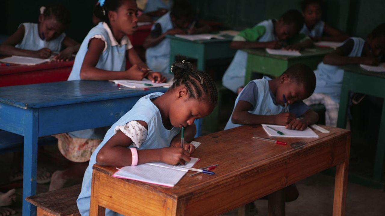 Engagé depuis 2010 à Madagascar aux côtés de l'association ABC Domino, le Fonds de dotation Merci y scolarise 3.500 enfants.
