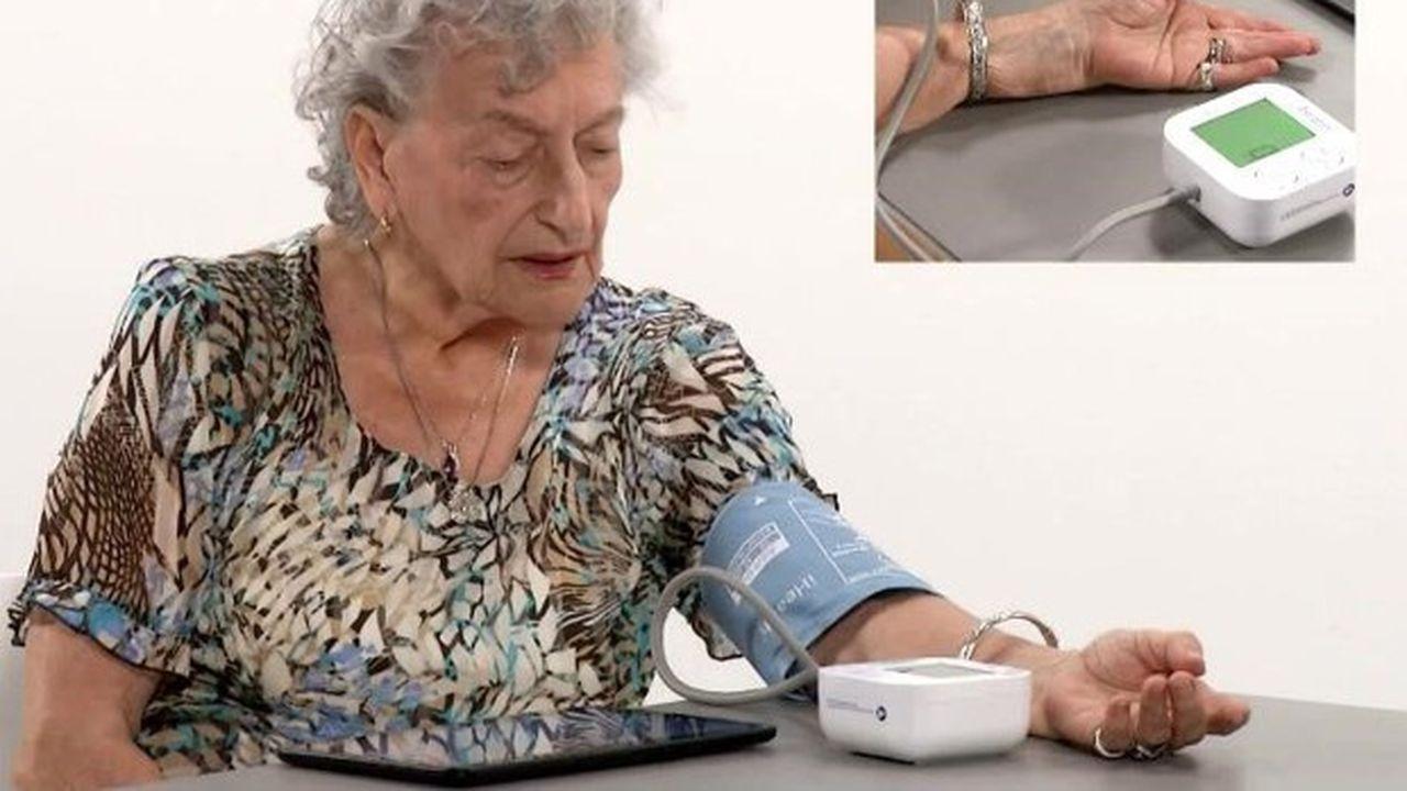 Prise en charge par la Sécurité sociale, la solution de Newcard comprend une tablette, un pèse-personne et un tensiomètre connectés en Bluetooth à l'application.