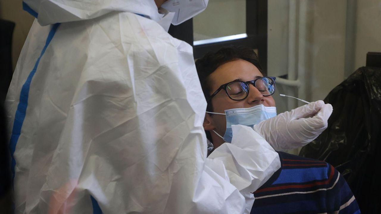 La capacité de dépistage Covid des laboratoires a bondi à 2,2millions de tests par semaine.