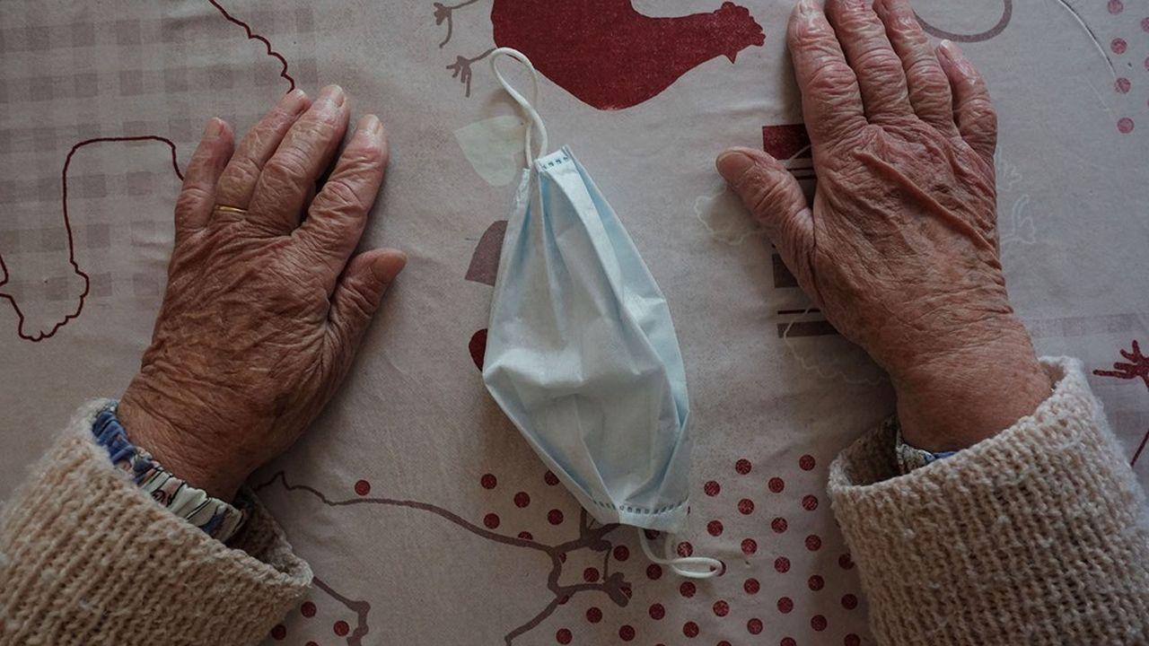Les personnes âgées en Ehpad sont particulièrement vulnérables au virus. Plus encore que leurs semblables vivant dans la population générale.