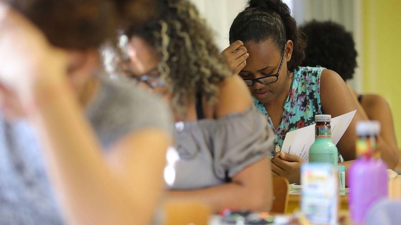 Les épreuves d'enseignements de spécialité des élèves de terminale se tiendront bien du 15 au 17mars, comme prévu jusqu'ici.