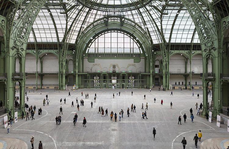 WANTED! Trouvez une oeuvre d'art et repartez avec. Les 24 et 25 octobre, le Grand Palais et la galerie Perrotin organisaient une chasse au trésor dans la grande nef.