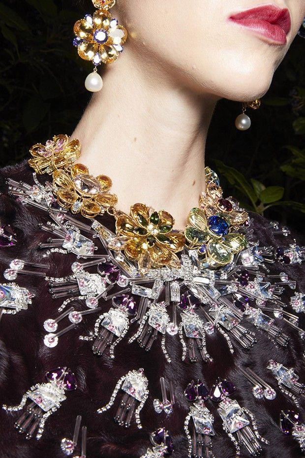 Bijoux Dolce & Gabbana, vus au défilé Alta Moda, à Florence, le 3 septembre.