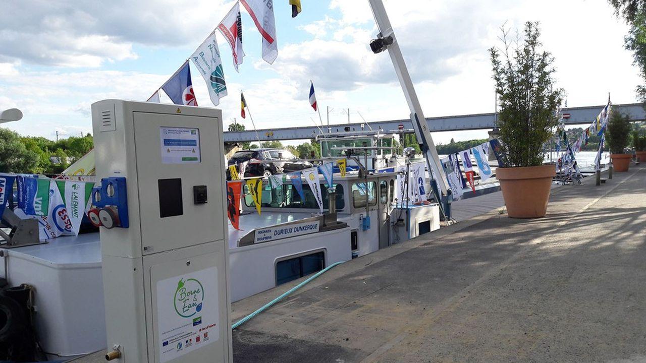 Une borne de fourniture d'électricité et d'eau a été installée à Sainte-Honorine en 2019
