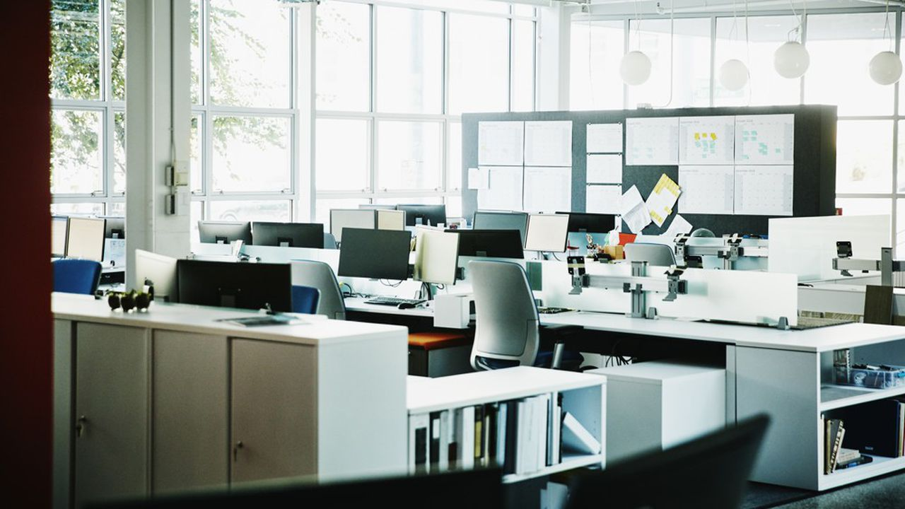 Les conditions du deuxième confinement diffèrent de celles de la période mars avril, les sièges des entreprises restent ouverts.