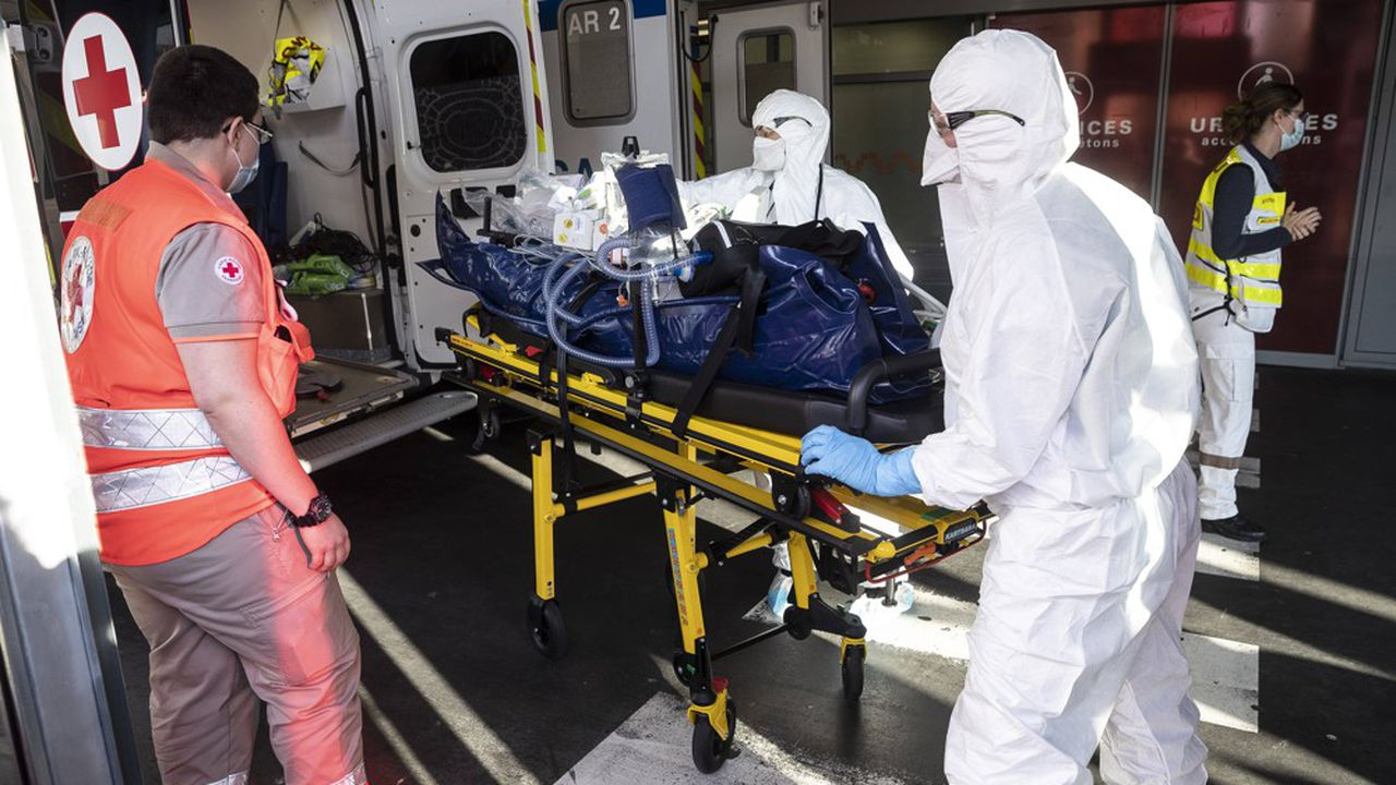 Le seuil des 60.000 contaminations en 24heures a pour la première fois été franchi en France depuis le début de l'épidémie de Covid-19.