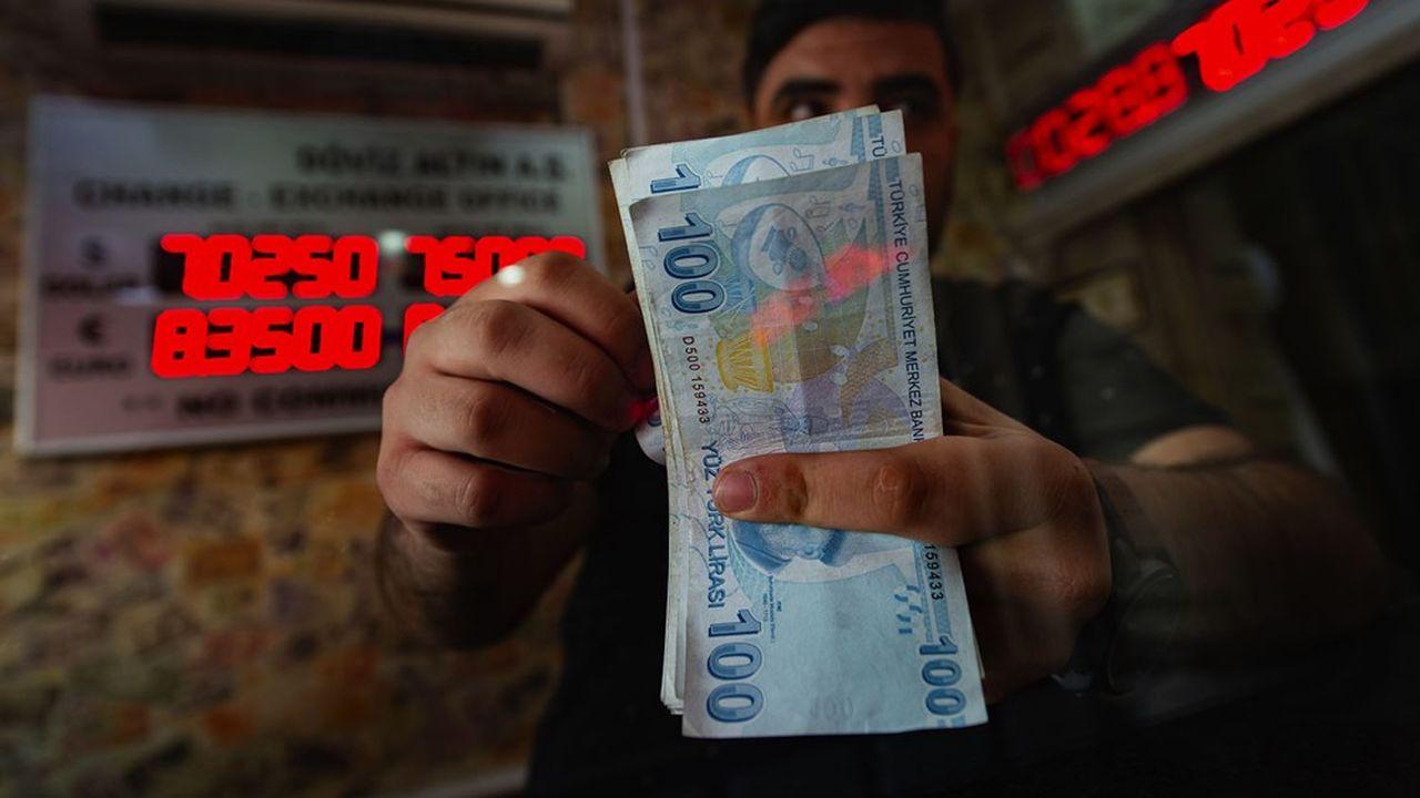 La devise turque a rebondi de 10% depuis le limogeage du gouverneur de la banque centrale.