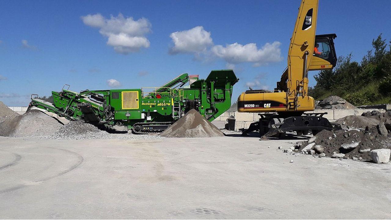 L'atelier de concassage de bétons de démolition.