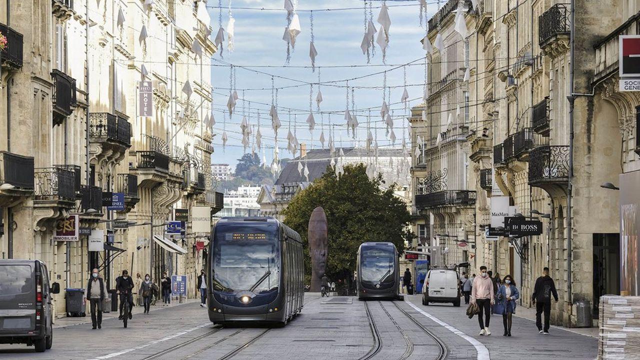 Une ligne de tramway à Bordeaux.