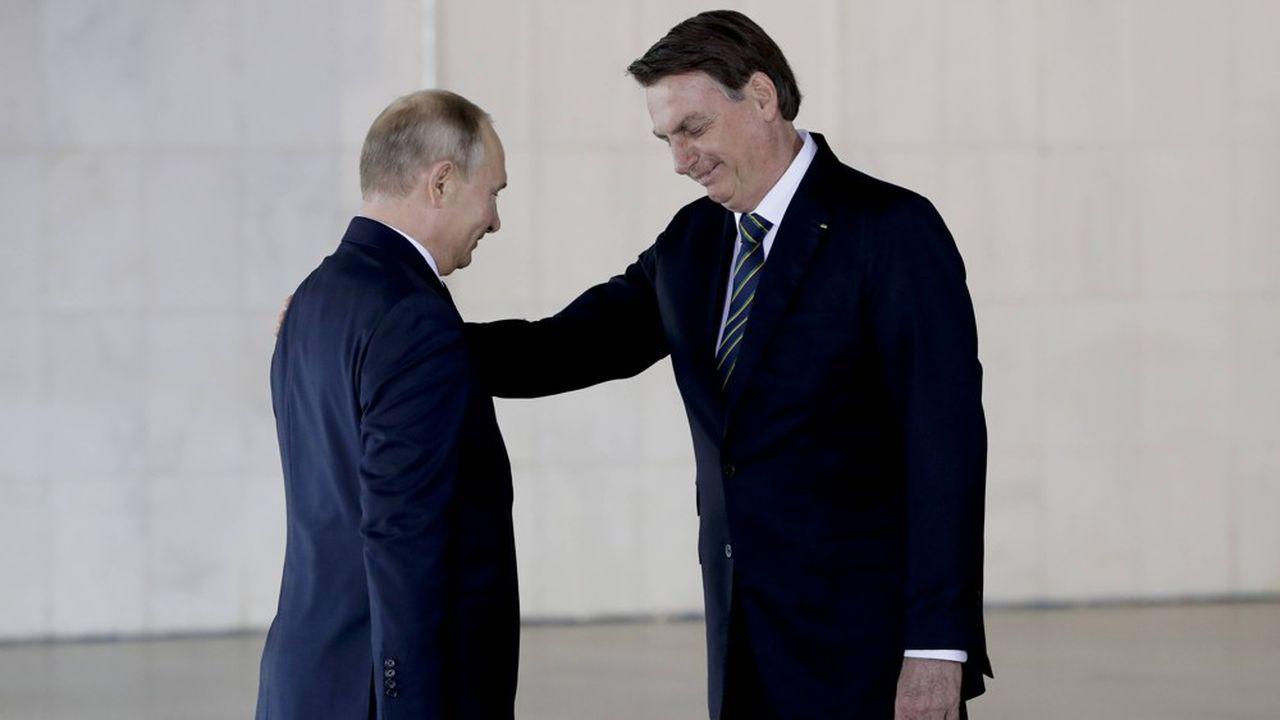 L'an dernier en novembre, le président brésilien Jair Bolsonaro accueillait le président russe Vladimir Poutine à une réunion des Brics à Brasilia.