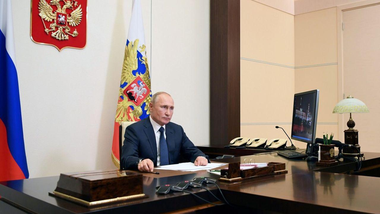 La Russie de Vladimir Poutine est en train de déployer près de 2.000 soldats de la paix et 90 blindés pour assurer le respect du texte.