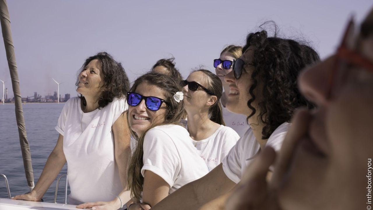 Earthship Sisters va permettre à vingt-quatre femmes de développer leurprojet professionnel environnemental, notamment à bord d'un bateau.